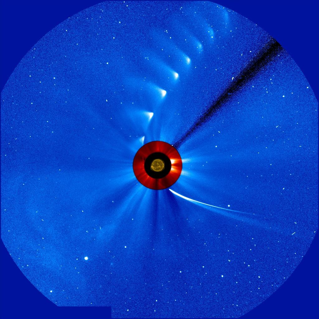 Zeitraffer Aufnahme vom Periheldurchgang des Kometen ISON (C/2012 S1) (Bild: NASA)