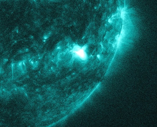 M-Klasse Sonneneruptionen am 09. Oktober - Sonnenfleck 2182 1