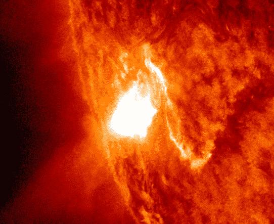 Starker Flare M9.2 am Sonnenrand beobachtet 1