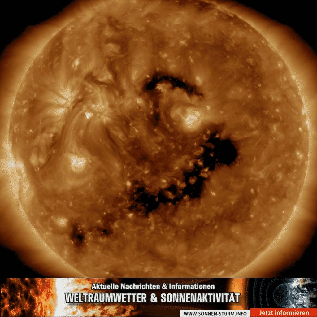 Koronales Loch - Sonnen-Sturm.info