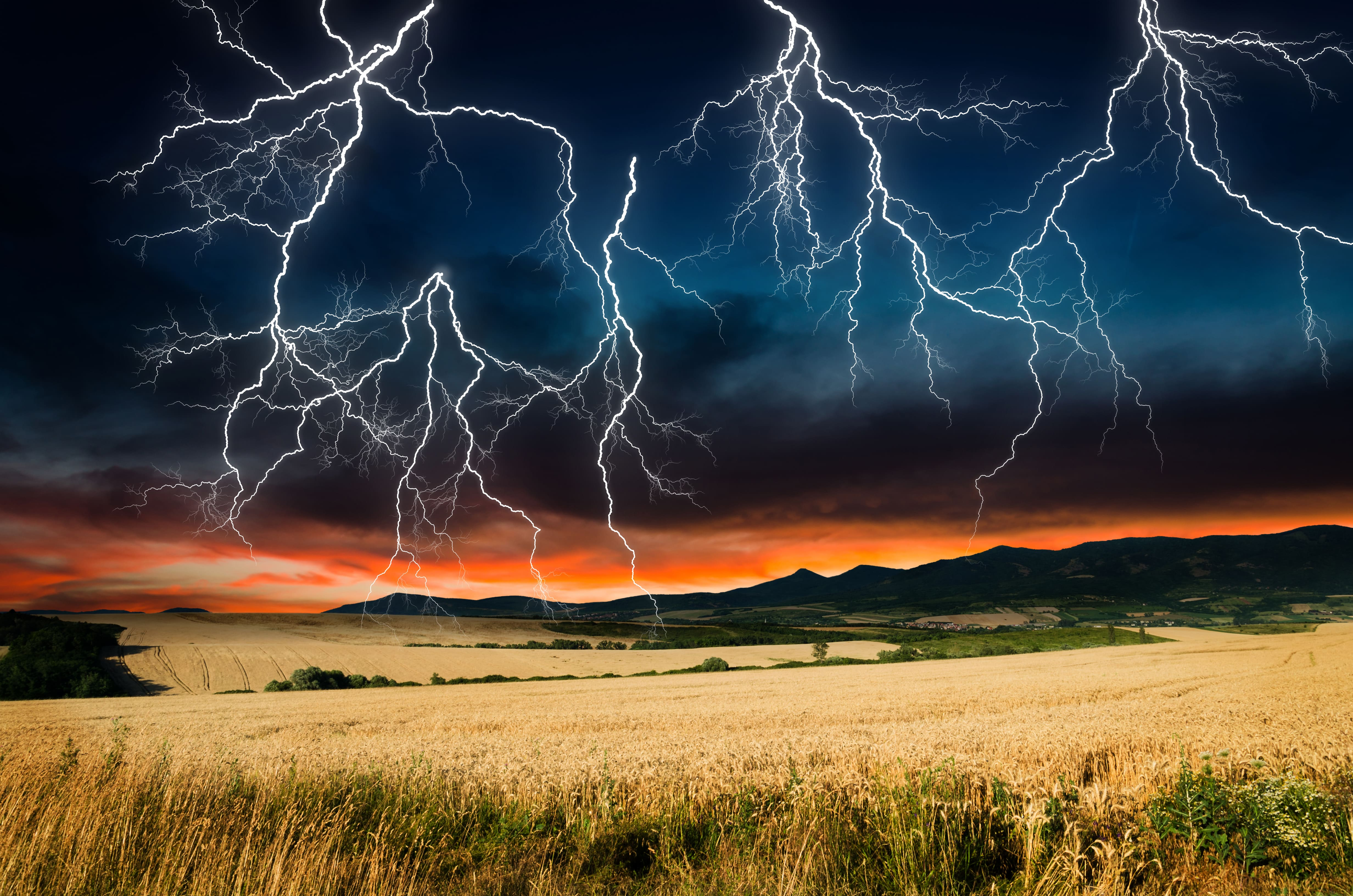Die Beeinflussung der Sonnenrotation auf irdische Blitze 1