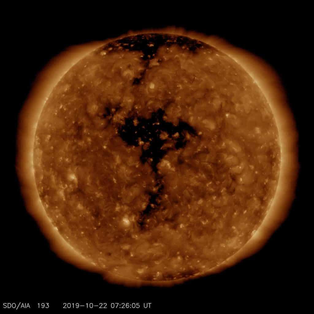 Unruhiges bis Stürmisches Weltraumwetter vom 22.-26. Oktober 2019 2