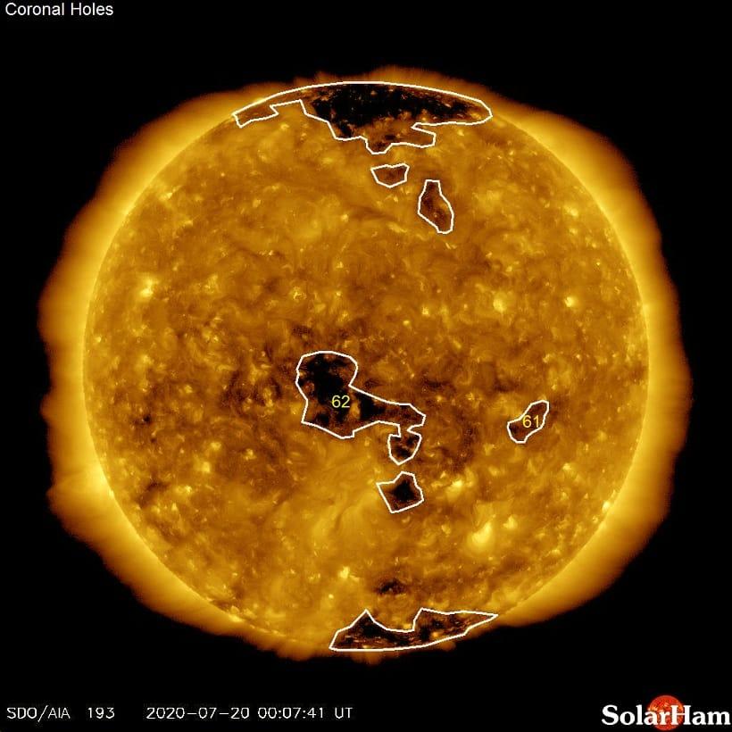 Zentrales Koronales loch auf der Sonne